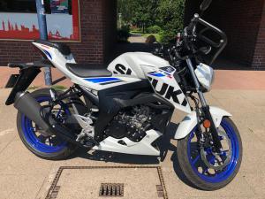 Motorrad Suzuki GSXs 125
